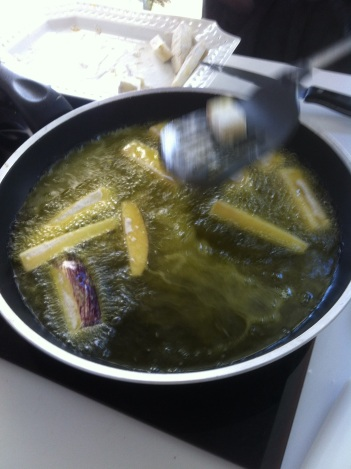 aubergine, berejena, fried, frying, cooking, cookery, class, lesson, Spain, Spanish, Travel&Cuisine
