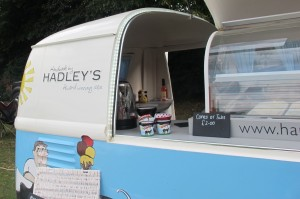 A fête wouldn't be complete without ice-cream. Loved this trailer selling local home-made stuff, complete with lights.
