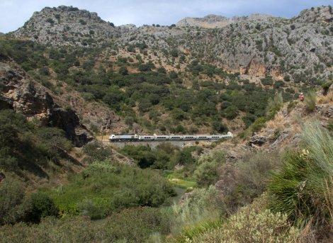 Mr Henderson's Railway, train,