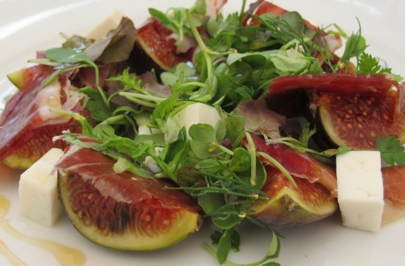 Fig salad: a late summer classic.