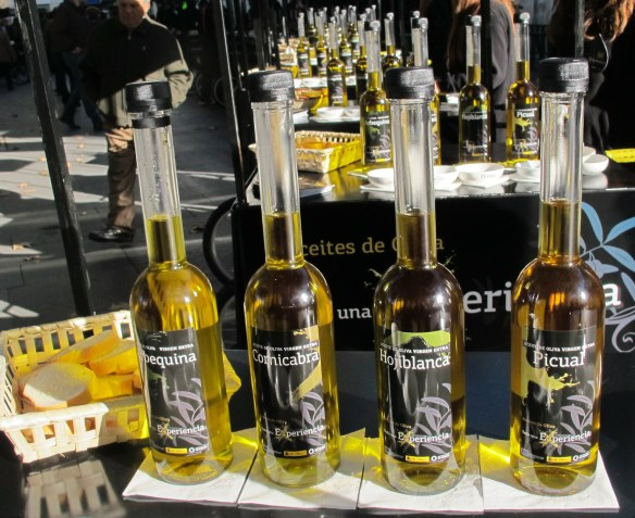 EVOO, AOVE, olive oil, extra virgin oilve oil