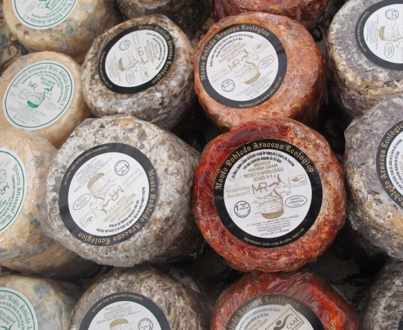 organic cheese, organic goat's cheese, Monte Robledo